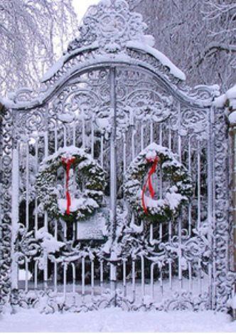 Christmas Gate... Niagara on the Lake