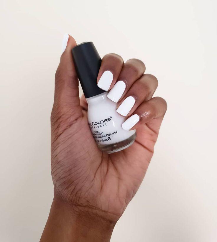 Diese 10 weißen Nagellacke werden diesen Frühling überall auf deinem Instagram sein   – Beauty Is In the Eye of the Beholder
