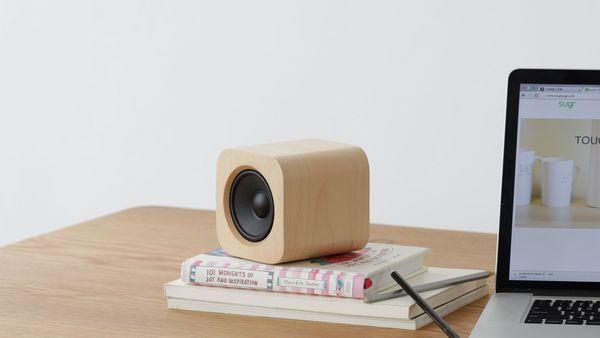 Sugr Cube: Portabler WLAN-Lautsprecher aus Holz