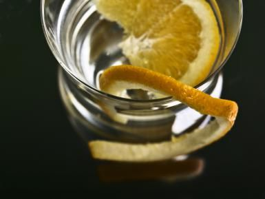 gluten-free vodka and orange - Inmacor/Getty Images