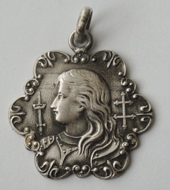 Mejores 63 imgenes de joan of arc en pinterest juana de arco gorgeous vintage medal st joan of arc it measures 1 and 116 aloadofball Gallery