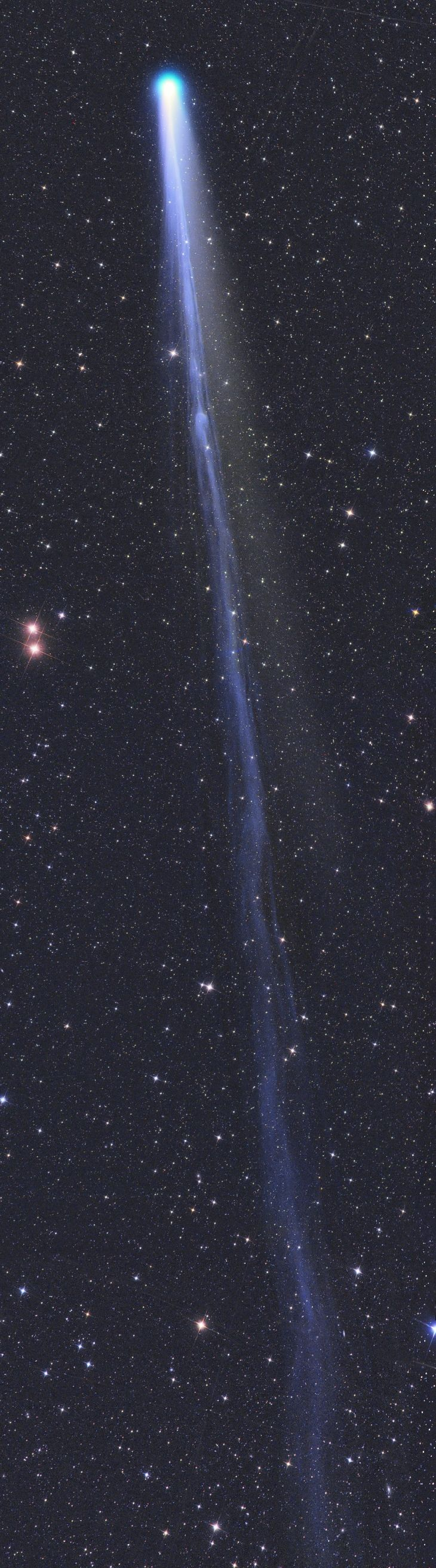 #Comet C/2013 R1 Lovejoy  Taken by Gerald Rhemann on December 13, 2013 @ Jauerling, Lower Austria