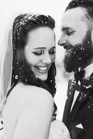 And don't be afraid to get messy: | 38 Couples Who Absolutely Nailed Their Winter Wedding