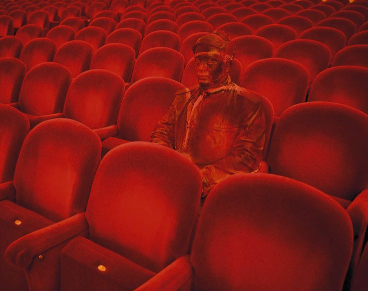 "Liu Bolin's Disappearing Act : ""Teatro alla Scala"""