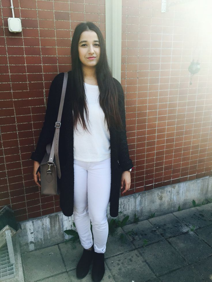 Sweater: Gina tricot Pant: New Yorker Ankle boot: HM