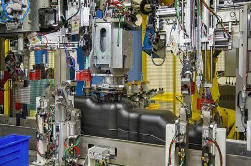 Les 25 meilleures id es de la cat gorie plastic omnium sur for Plastic omnium auto exterieur services