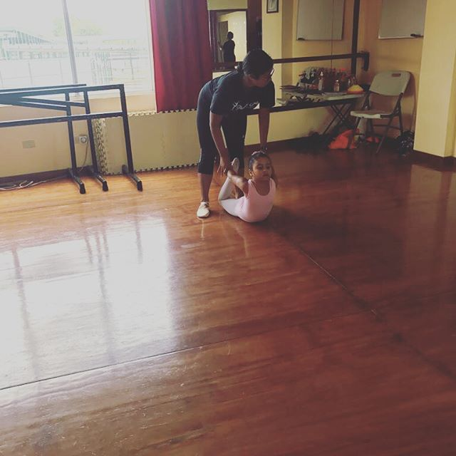 Curso Sabatino Pirouettes 2017 🌸 ANIMATE!!! #pirouettesstudio #arraijan #lachorrera #capira #coronado #ballet #danza #sandiegoconnection #sdlocals #coronadolocals - posted by By Ana Lucía Berdiales https://www.instagram.com/pirouettesstudio. See more post on Coronado at http://coronadolocals.com