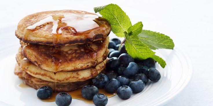 Opskrift på Anne Larsens amerikanske pandekager med ricotta, banan og blåbær