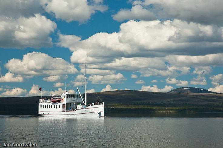 Boat on Femunden, Norway. www.inatur.no/fiske/5111787ae4b01fe6cf1f73e8/fiskekort-for-femundsmarka-nasjonalpark | Inatur.no