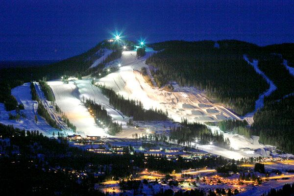 Kläppen Ski Resort in Sälen, Dalarna, is a large plant with 34 runs, 20 lifts and three snow parks.