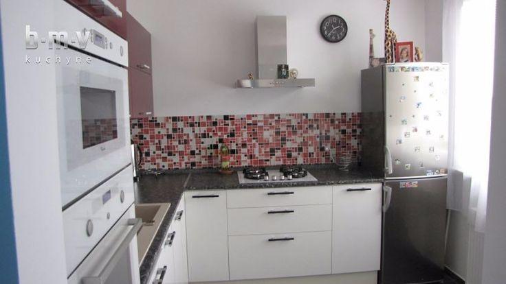 Bordová kuchyňa - BMV Kuchyne