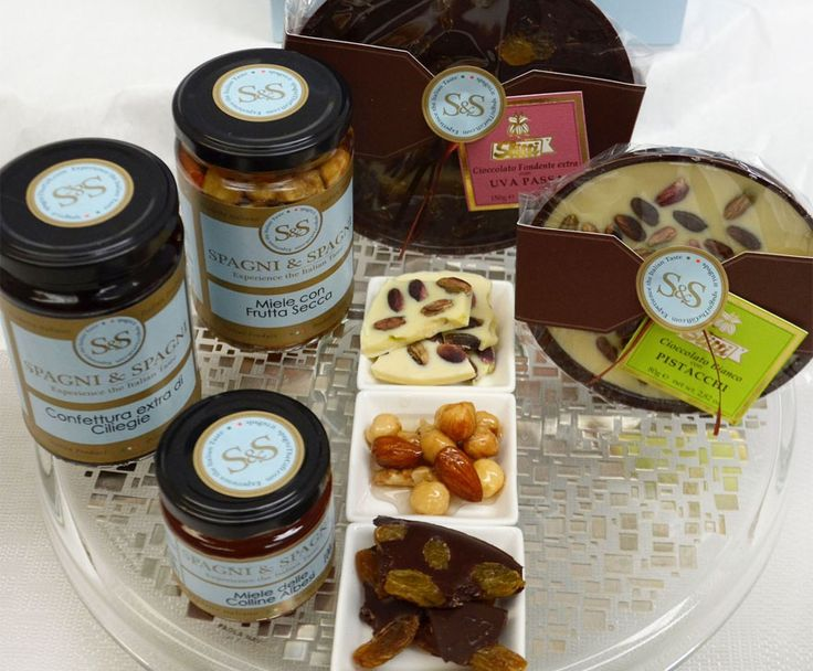 All you need is #love... Here's a #delicious #gift for your #valentine #valentinesday #chocolates https://goo.gl/jjFiMz