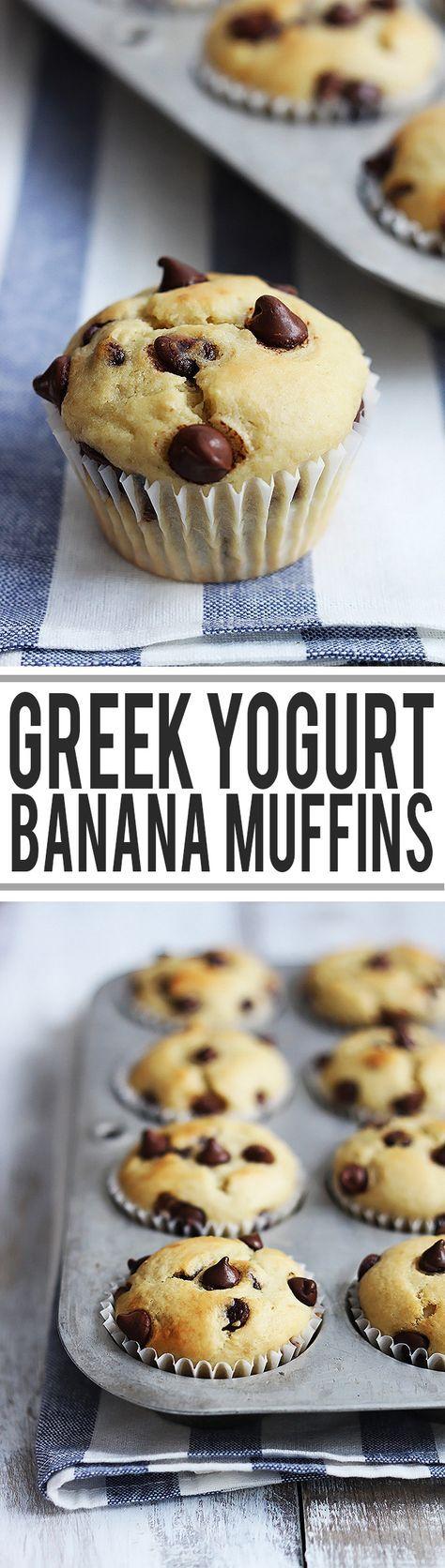 Easy and fluffy, super-moist banana greek yogurt muffins with a boost of breakfast-worthy protein! | Creme de la Crumb