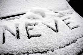 A MILANO NEVICA ! Consigli utili per la tua auto da #AutoCicognara.  Se parcheggiate la vostra auto all'aperto il primo suggerimento è quello di non tirare il freno a mano ma inserire esclusivamente una marcia bassa: in questo modo eviterete un possibile congelamento del freno di stazionamento. Dopo essere scesi alzate i tergicristalli e il tergilunotto: con il peso della neve il rischio rottura è molto elevato.  I servizi di #AutoCicognara : http://www.autocicognara.it/ita13/13_servizi.php