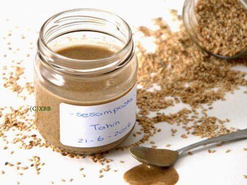 Tahin of sesampasta maken, recept, how to, Arabisch, broodbeleg, ingrediënt in baksels, witte tahin, bruine tahin, geroosterd, ongeroosterd, foodprocessor.