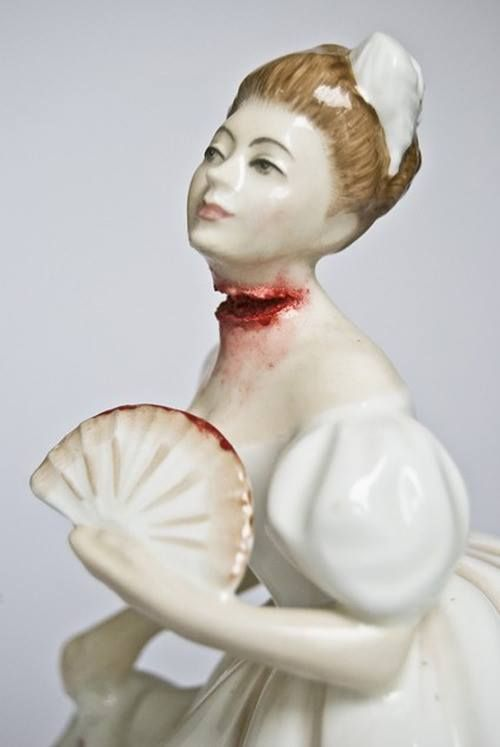 Best Crystal Skulls Figurines Images On Pinterest Crystal - Amazingly disturbing porcelain figurines by maria rubinke