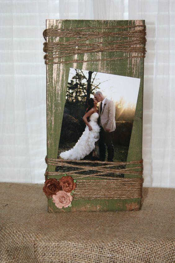 cr er un cadre photo avec du bois recycl art. Black Bedroom Furniture Sets. Home Design Ideas