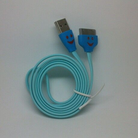 Conecta tu iPhone con este adaptador / Connect your iPhone with this adapter