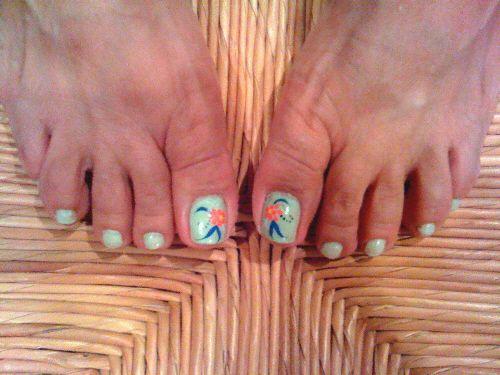 Flower toe art