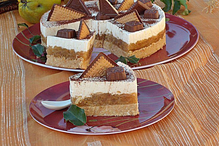 Sütés nélküli almatorta, csodás fahéja íz és rengeteg hab a tetején! Fincsi és csodaszép! :)