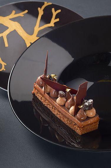 Entremets chocolat Caraïbes, biscuit croustillant, ganache et mousse au chocolat Caraïbes © Photos Thuriès Gastronomie Magazine, Pascal Lattes