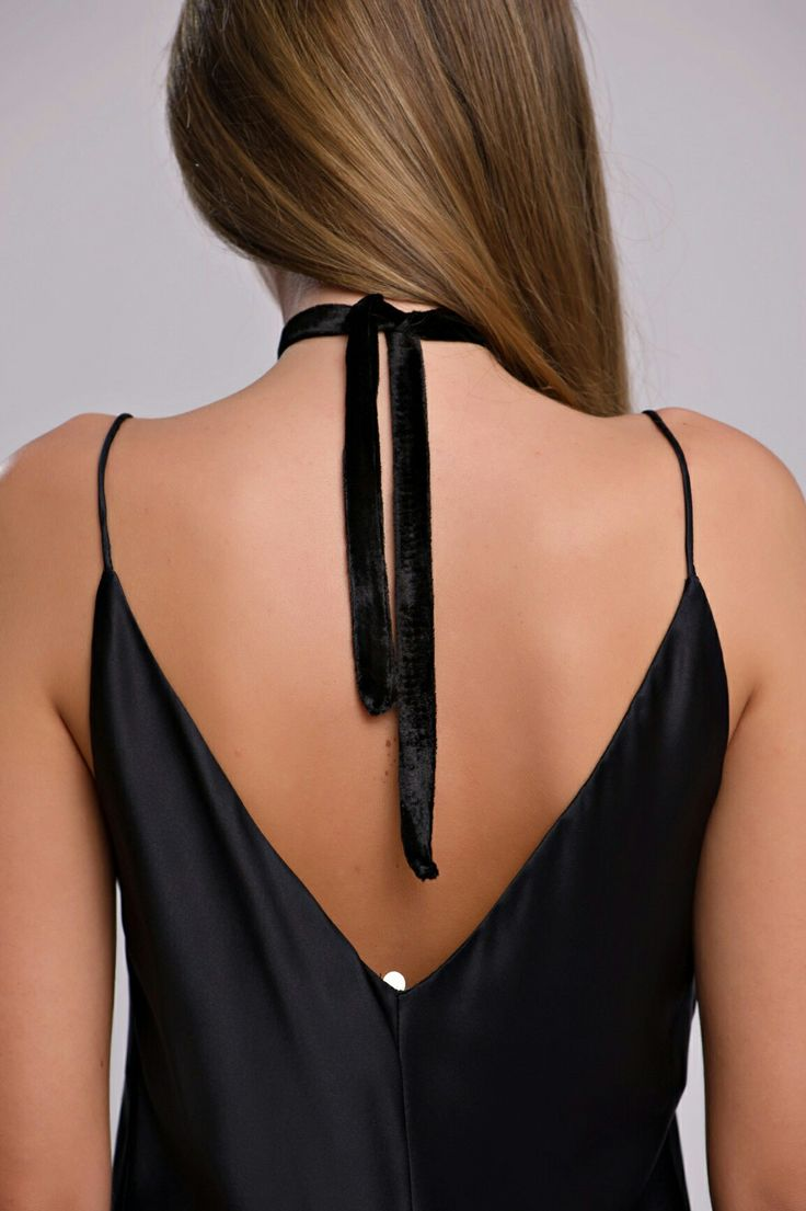 Velvet Chocker Black #VELVET #CHOKER #NECKLACE #BLACKVELVET #SILK