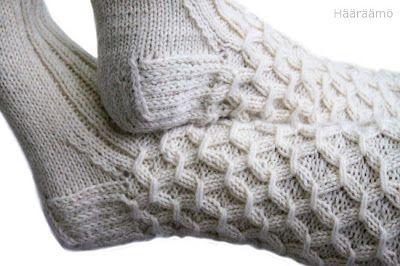 Käsityöohje: rypytetty joustinneule villasukkaan