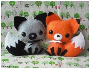 Adorable felt fox & wolf - I could imagine this design well for Polymer Clay!