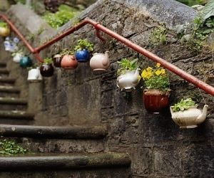 Teapot Planter diy gardening - now I know what to do with