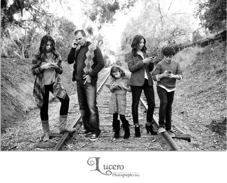 Funny family photo session Photos by: Lucero Photography, Inc.