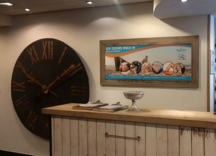 Ontwerp en realisatie receptie bord t.b.v. profilering massages van Bewegingsplein Westduin