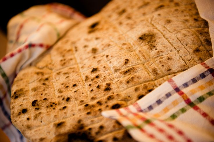 Finsk flattbrød lages av byggmel, og er ferdig på noen miutter! Foto: vegetarbloggen.no