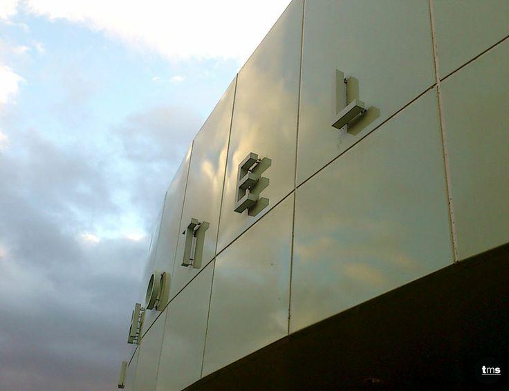 Halo Illuminated Signage, 3D Logo and Lettering, Pin Fixed Letters #RoyalMailHotel #externalbuildingid #signage