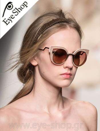 Fendi φοράει τα γυαλιά ηλίου Fendi FF 0137S κλικ στη φωτο για να τα βρείτε