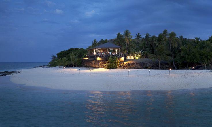 Vomo Fijian Resort, The Rocks Bar Evening.