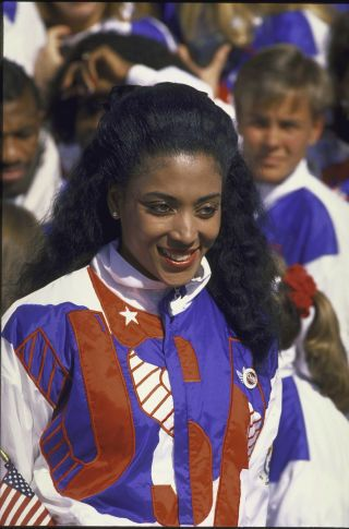 1988 U.S. track star Florence Griffith Joyner with the national team in 1988.