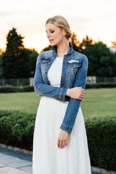 Knackige Jeansjacke Mit Spitzenapplikationen Eine Moderne