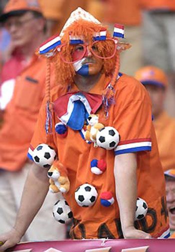 supporting the Dutch soccer team