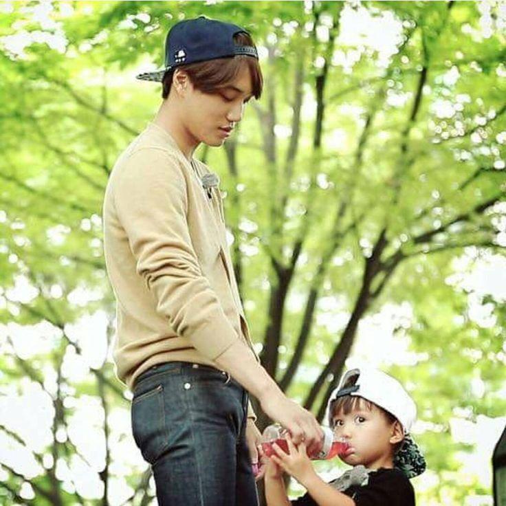 """150909 rickykimkorea ig update: ""Big brother kai and little taeoh~~"""