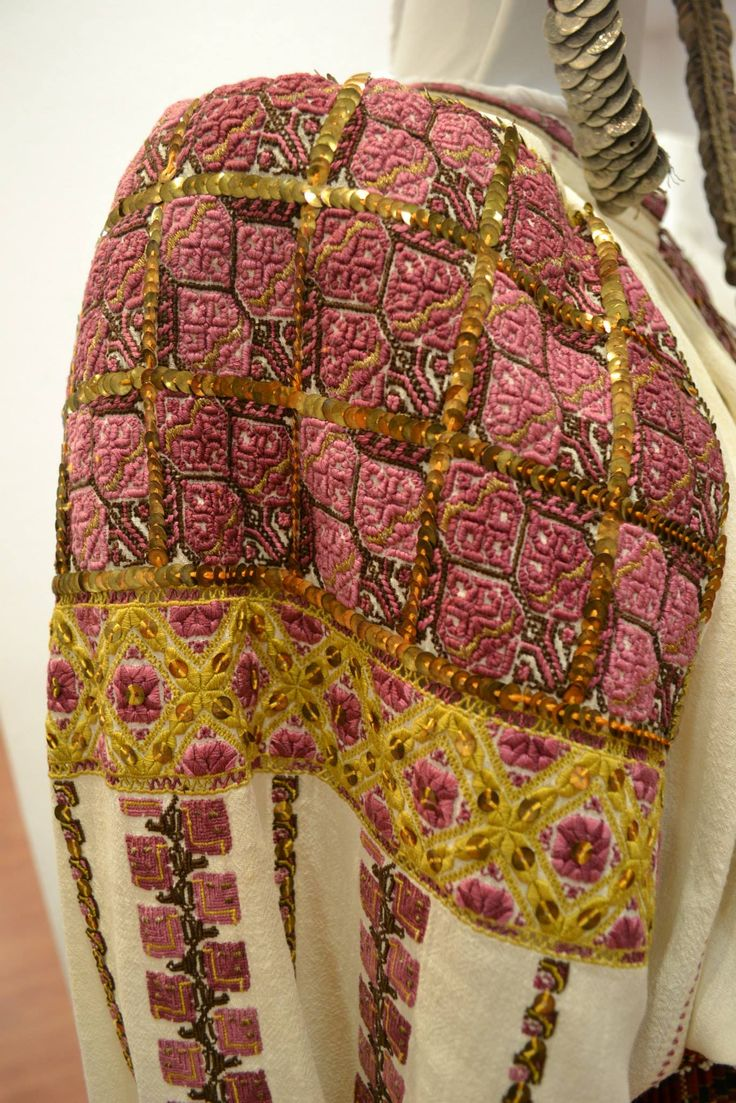 Romanian blouse - ie. Detail. Vlasca region.