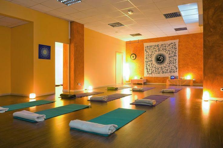 M s de 1000 im genes sobre yoga meditation en pinterest - Salas de meditacion ...