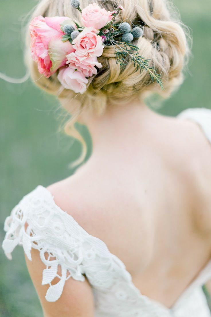 編み込み&ねじり編みの可愛い花嫁ヘアスタイル!結婚式の髪型特集♪   結婚式準備ブログ   オリジナルウェディングをプロデュース Brideal ブライディール