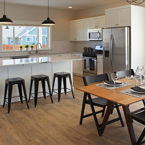 Love this simple kitchen design with this smart and stylish vinyl flooring.