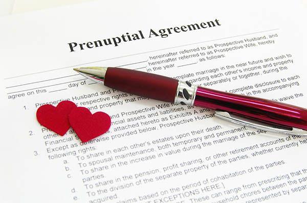 Ce trebuie să știm despre contractul prenupțial și cum să ne apărăm averea - Mireasa Perfecta.ro
