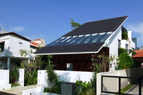 Model Desain Atap Sandar Model desain atap sandar ini biasanya digunakan pada bangunan tambahan-tambahan, seperti teras dan juga emperan. Namun juga telah berkembang dalam pemakaian di bangunan rumah minimalis modern Karena uniknya dan juga model atap sandar tersebut