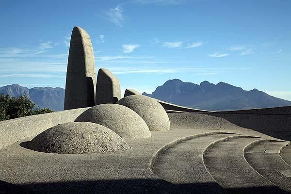 The Taal Monument ( monument to the Afrikaans language) Paarl- only a half hour from Franschhoek and La Clé des Montagnes- 4 luxurious villas on a working wine farm