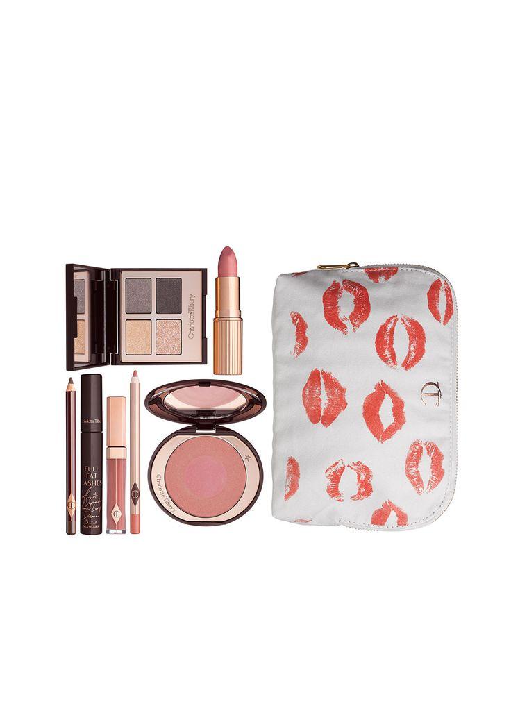 <p>Alles wat jij nodig hebt om deze look na te bootsen! Elke look wordt  geleverd met een gratis make-up tas met de lip afdrukken van een aantal  van de meest iconische vrouwen in fashion. Alle looks zitten verpakt in  een luxe geschenkverpakking. <br/></p><p></p><p>Deze set bevat: <br/></p><p>-K.I.S.S.I.N.G, Bitch Perfect <br/></p><p>-Lip Cheat, Pink Venus <br/></p><p>-Lip Lustre, Sweet Stilettp <br/></p><p>-Full Fat Lashes <br/></p><p>-Luxury Palette, The uptown Girl <br/></p><p>-Cheek to…