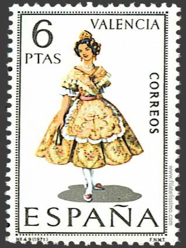 @PinFantasy - Valencia - Sello con el Traje de Valenciana ~~ For more:  - ✯ http://www.pinterest.com/PinFantasy/cultura-~-fiestas-y-tradiciones/