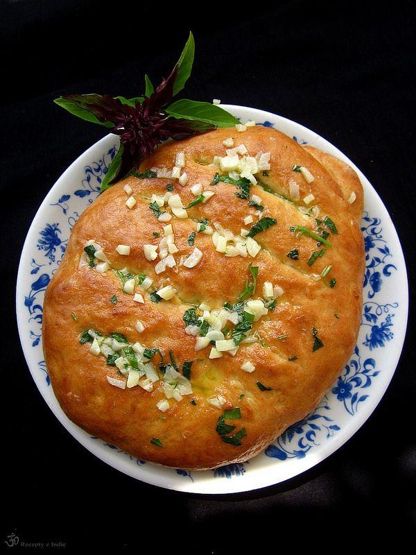 Chlebove cesnakove palicky / Garlic bread