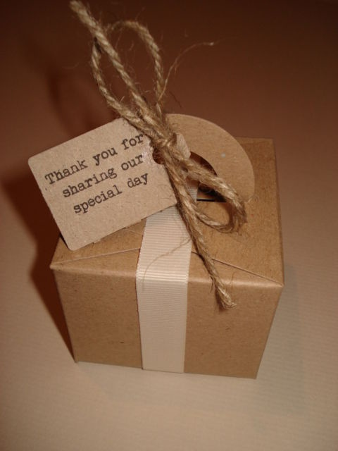 Vintage/shabby chic style wedding favour boxes and tags